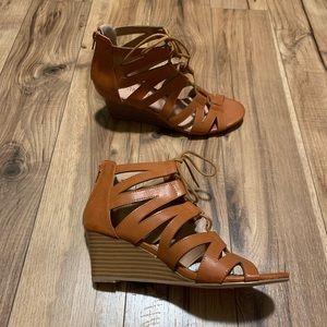 Tan wedges - never worn